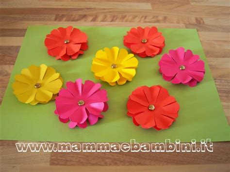 fiori di carta crespa facili per bambini fiori di carta come realizzarli mamma e bambini