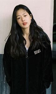 This Young Model Is Being Called a Hybrid Between Sulli ...