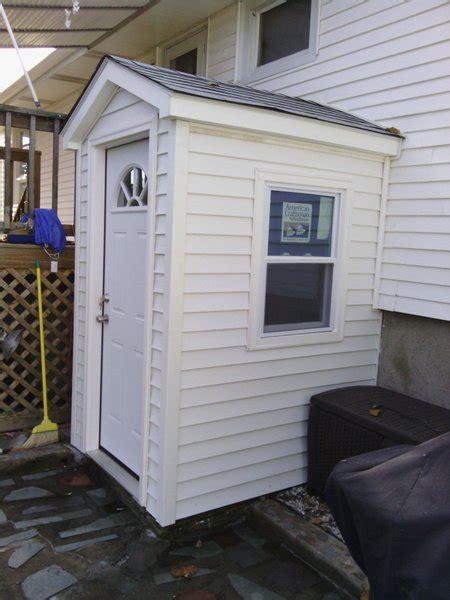 enclose outdoor steps  basement building