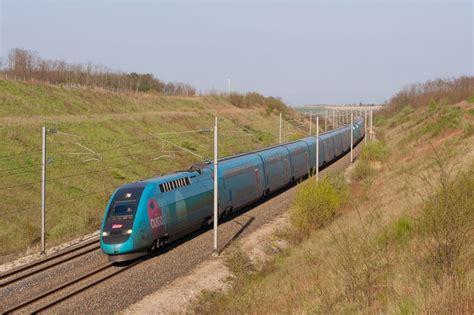 Megamark Créé Les Marquages Pour Les Trains Ouigo De La