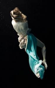 uniQuePic: Amazing Underwater Photography of Women by ...
