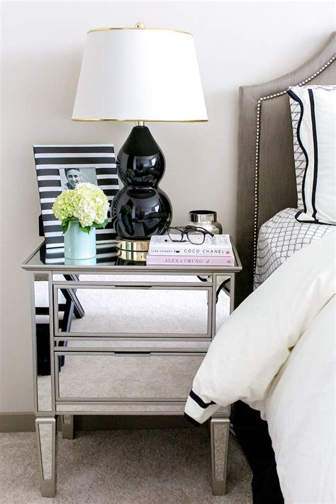 Bedroom Table Ls by 16 Gorgeous Mirrored Nightstands For A Glamorous Bedroom