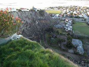 Landslides From The Christchurch Earthquakes Part 4  Large-scale Cliff Collapses