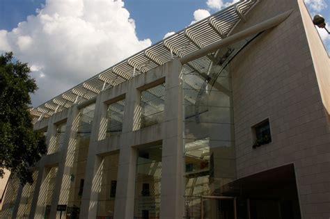 savannah brings history  life  museums