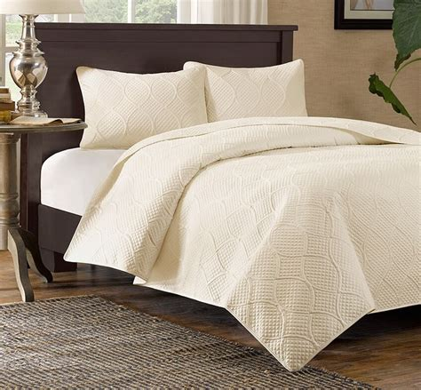 Coverlet King by Ivory Matelasse 3p King Quilt Set Quilted