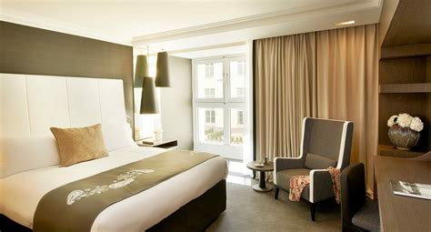 femme de chambre marseille chambre deluxe intercontinental marseille hotel dieu