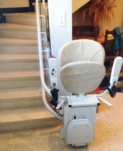 chaise monte escalier chaise monte escalier curve maison prive vallon pont d