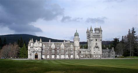 plan  visit  balmoral castle