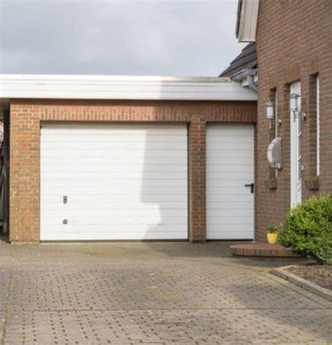 Fenster Und Türen In Der Garage