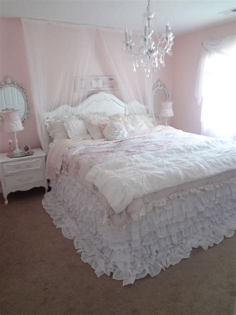 bed shabby chic not so shabby shabby chic my new ruffly bedding