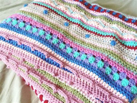 still vauriens 187 couverture au crochet as we go stripey