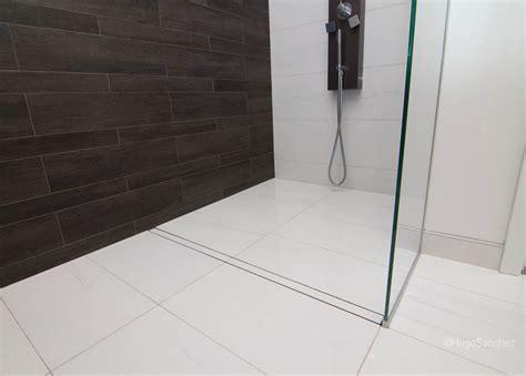 Entrance shower drain   Céramiques Hugo Sanchez Inc
