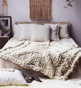 Plaid En Grosse Maille : tendance la laine chunky mademoiselle claudine le blog ~ Teatrodelosmanantiales.com Idées de Décoration