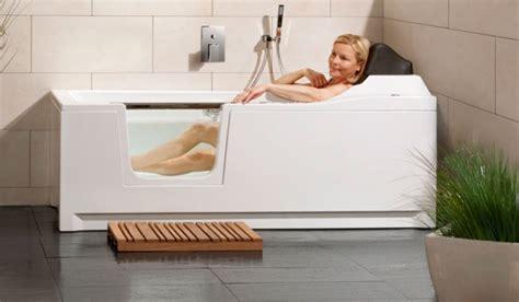 baignoire avec porte prix baignoire 224 porte habitanova des baignoires design et ergonomiques