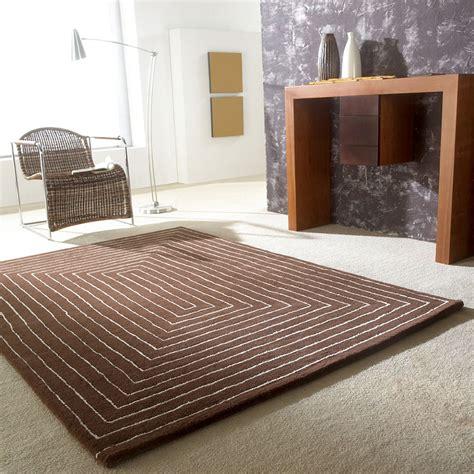 tapis tridimensional carving marron en laine