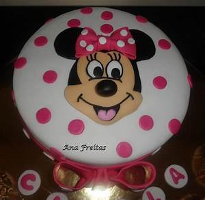 You have to see Minnie Mouse Cake by Cake in Colours!