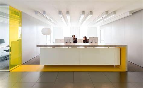 modern reception desk design studio groen schild corporate learning center