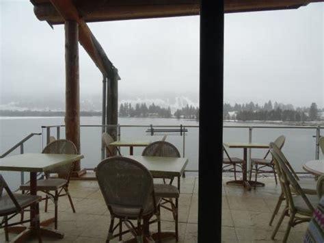vue panoramique du restaurant sur le lac photo de le chalet du lac les rousses tripadvisor