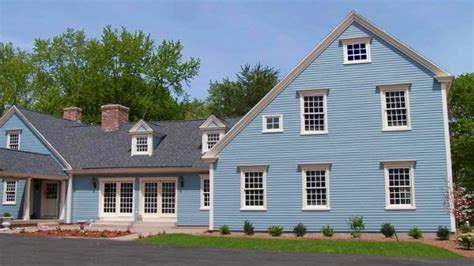 blue colonial saltbox house colonial williamsburg exterior house colors saltbox colonial house