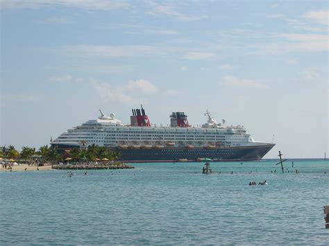 How To Communicate On Cruise Ship | Fitbudha.com