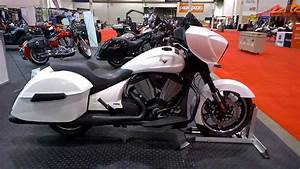 Victory Motorcycles Bagger - 8-Ball walkaround - YouTube