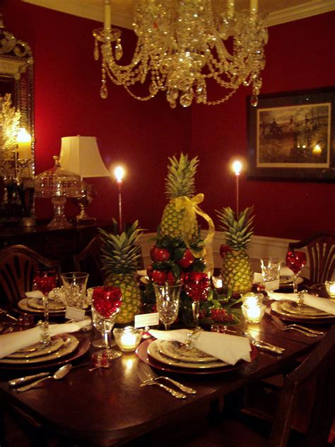 colonial williamsburg christmas table setting  apple tree centerpiece