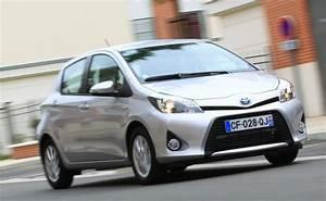 Essai Toyota Yaris Hybride : nos essais des toyota yaris l 39 automobile magazine ~ Medecine-chirurgie-esthetiques.com Avis de Voitures