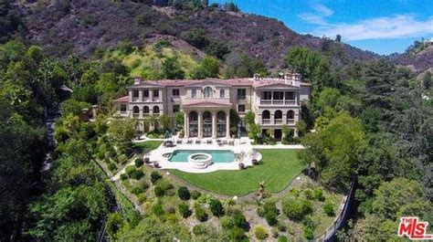 $19 Million 19,500 Square Foot Tuscan Mansion In Los