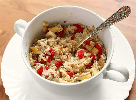 make oatmeal how to make a better bowl of oatmeal popsugar food