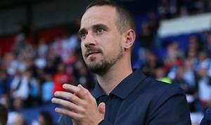 England sack women's team manager Mark Sampson