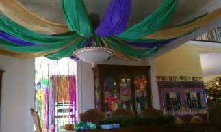Mardi Gras Door Decoration New Orleans by Victoria S Secret For A Great Mardi Gras Party