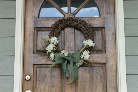decorating with wreaths how to decorate a grapevine wreath with pictures ehow