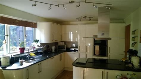 Shane Betts kitchens and Bathrooms: 100% Feedback