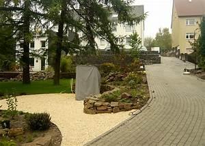 Gartenanlagen Mit Steinen : garten am hang bilder und beispiele f r die gestaltung ~ Markanthonyermac.com Haus und Dekorationen