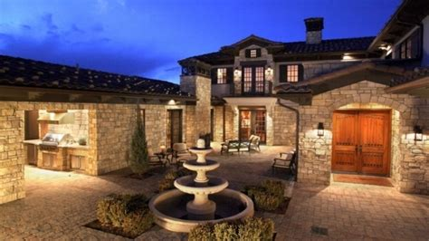 style homes with courtyards spanish style homes with courtyards mediterranean style homes with courtyard mediterranean