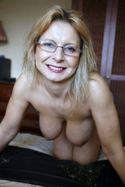 Opened Wide Pussy Of Mature Aged Wives Full Picture