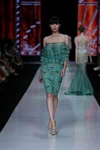 PUTERI INDONESIA 2014 - ELVIRA DEVINAMIRA