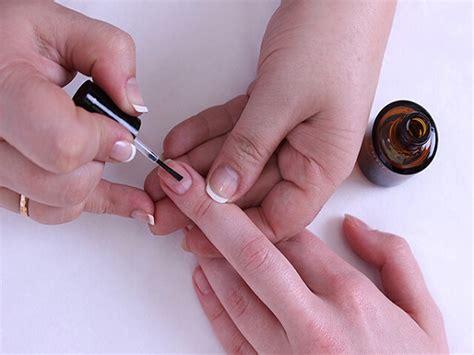 10 лучших праймеров для ногтей кислотных и бескислотных