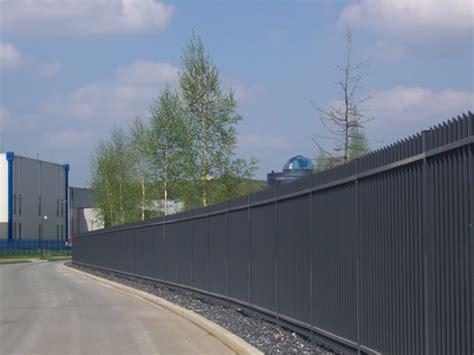 Das Tor Alles Ueber Die Oeffnung Im Zaun by Stabgitterzaun Als Sichtschutz A Z Tor Zaun