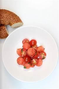 Wie Schneidet Man Fenchel : wassermelonen tomatensalat mit fenchel minz dressing und wie mein sommer 2016 war evchen kocht ~ Eleganceandgraceweddings.com Haus und Dekorationen