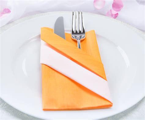 servietten falten tasche kreativ servietten falten die bestecktasche myprintcard