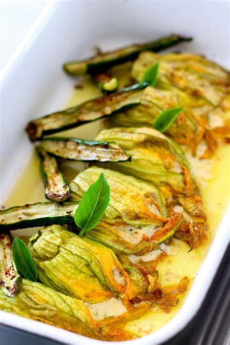 cuisiner la fleur de courgette comment cuisiner avec des fleurs comestibles