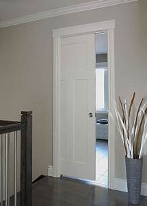 Craftsman iii smooth finish moulded interior door by jeld for Craftsman bathroom pocket doors