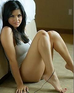 SeXy ~ Sunny Leone / Karenjit Kaur Vohra 8 x 10 GLOSSY ...