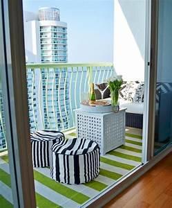 Tapis Pour Balcon : tapis ext rieur et d 39 autres rev tements pour le balcon balcons et petites terrasses tapis ~ Voncanada.com Idées de Décoration