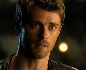John | Luke mitchell, Cute actors, Lincoln campbell