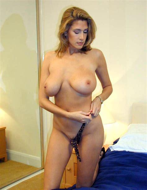 Cindy British MILF Leopard Lingerie - PornHugo.Com