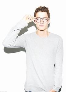 finn harries with glasses | Tumblr