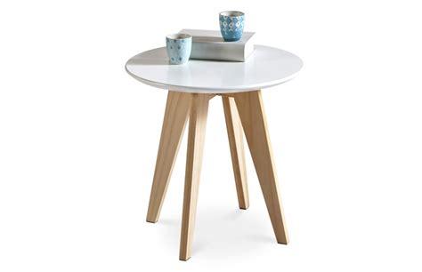 table bout de canape table basse bout de canapé scandinave pièce à vivre