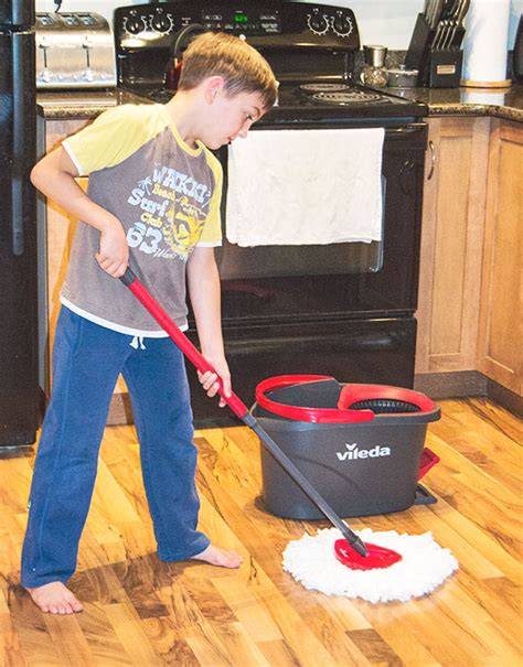 Get Kids Excited About Cleaning With The Vileda Easywring